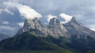 three-sisters-mountain
